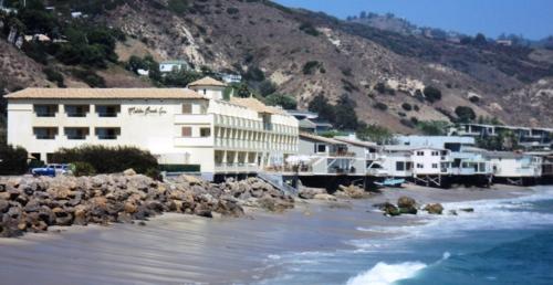 Malibu Beach Inn Exterior