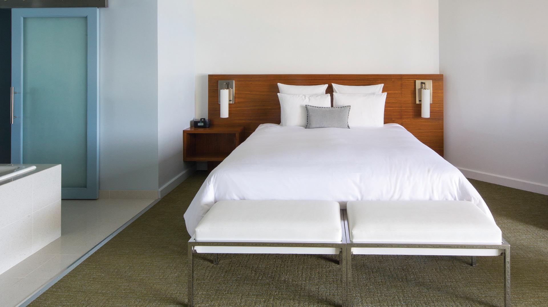 Towe23 Bedroom