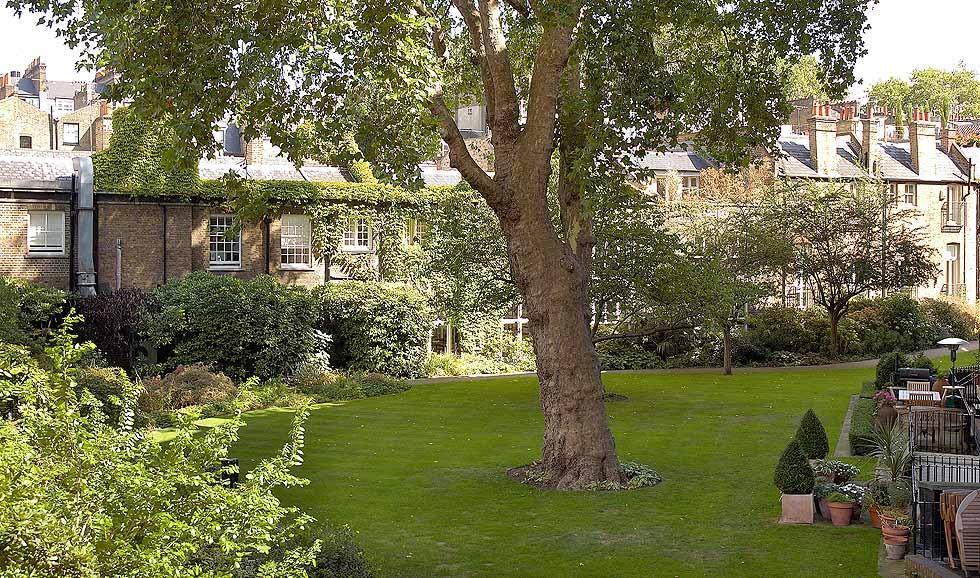 Egerton House Garden