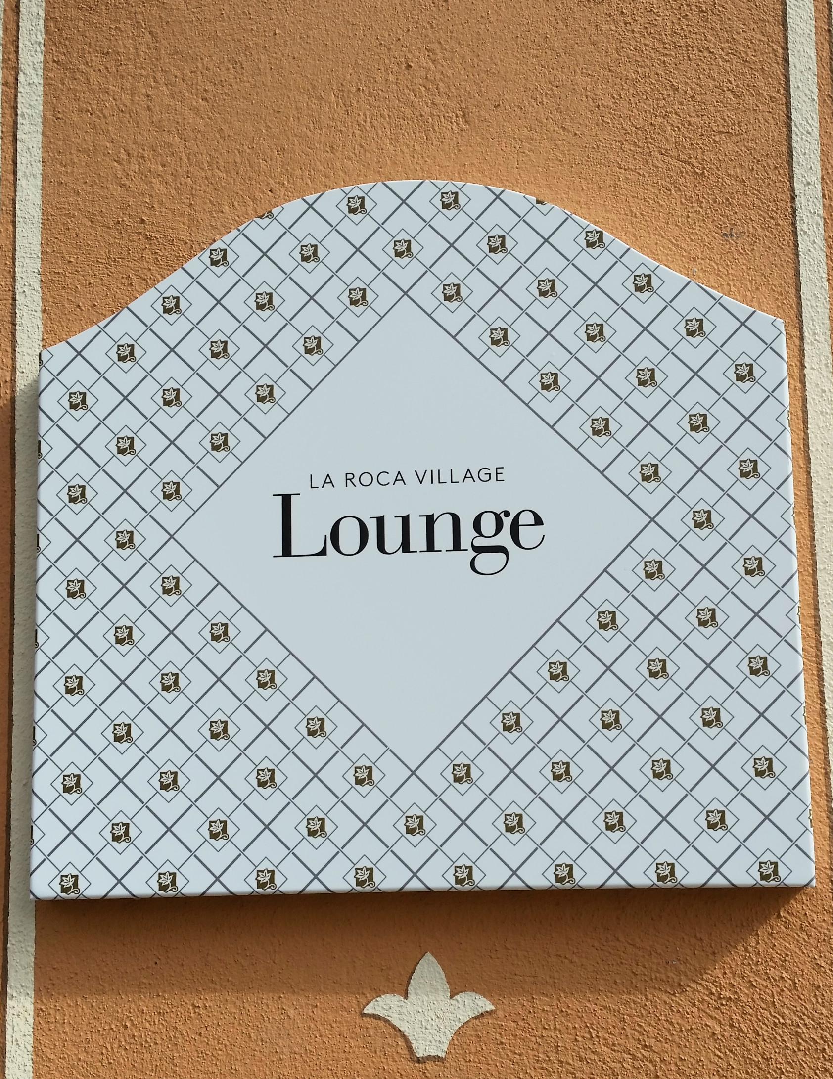 VIP-Lounge-La-Roca-Village