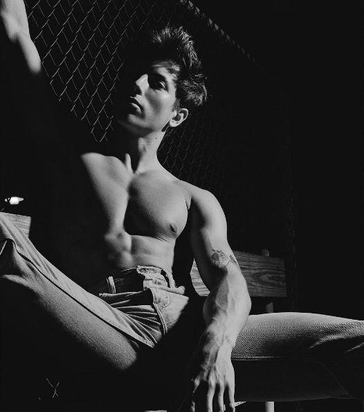 shirtless-repose-ryan-pfluger