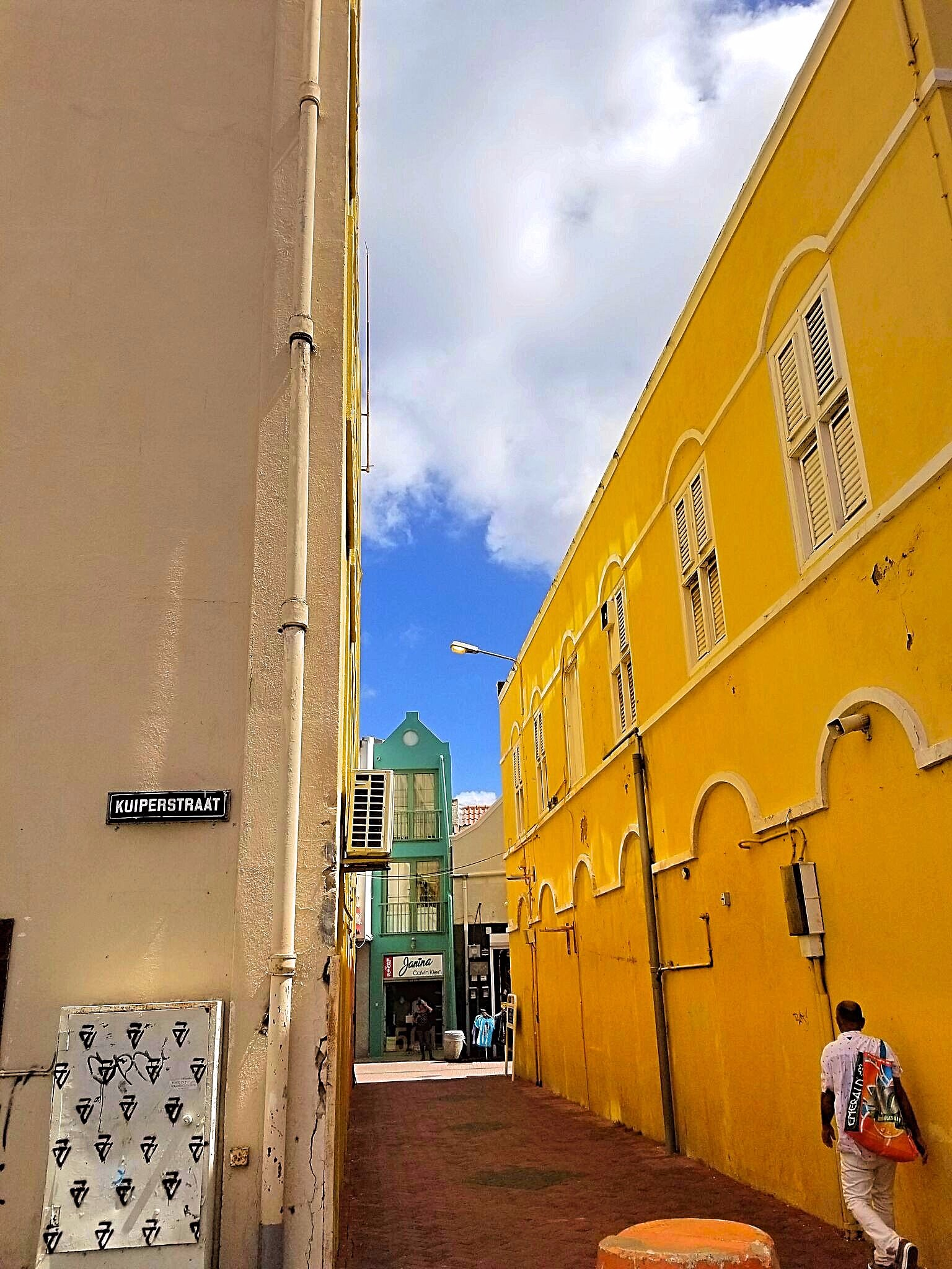 Streets_of_Curacao-edit